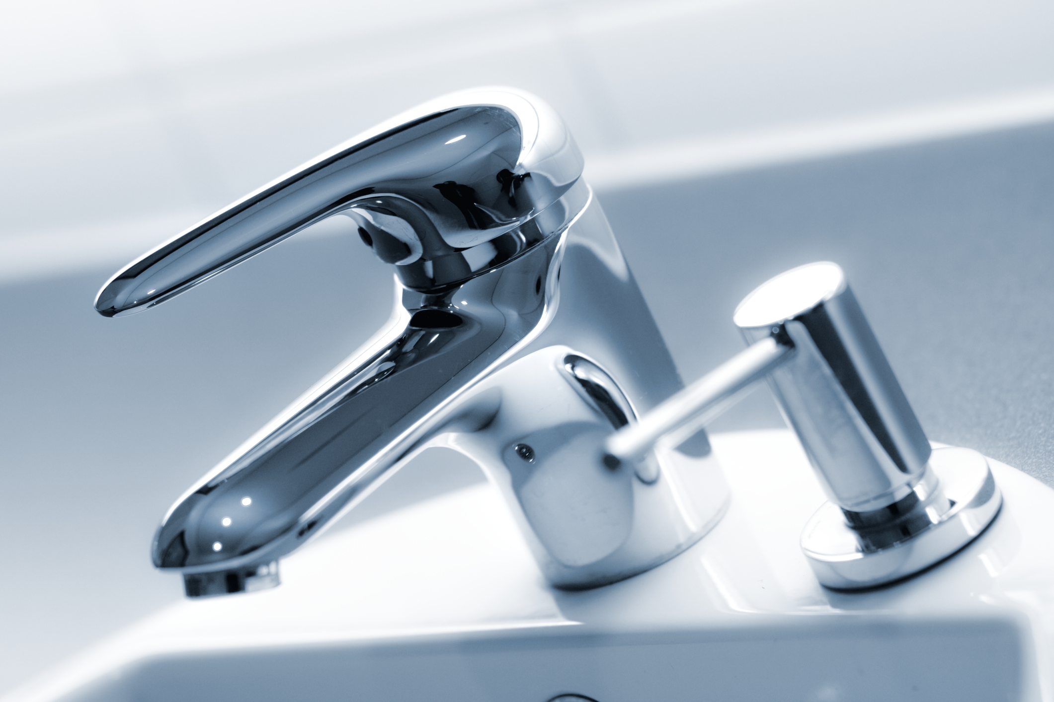 Need a New Faucet? Call a Plumber